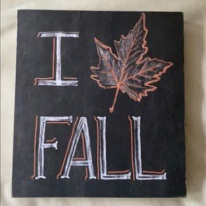 """I love Fall"" decor"